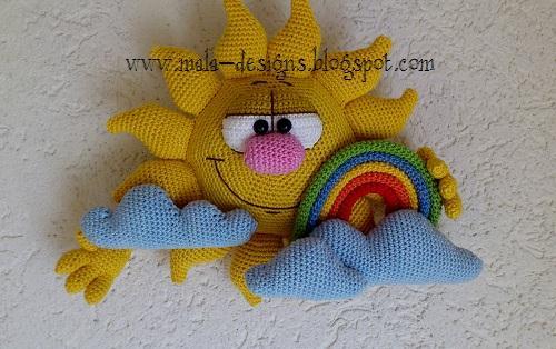 Вязаное солнышка с тучками и радугой