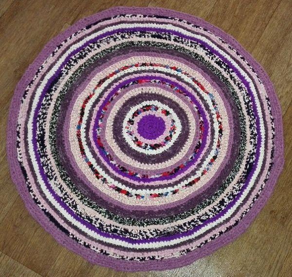 Вязание круглого коврика из старых вещей крючком 79